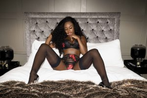 Djamella live escort in Hackensack & happy ending massage