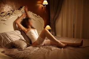 Halimatou erotic massage in El Paso de Robles, live escort