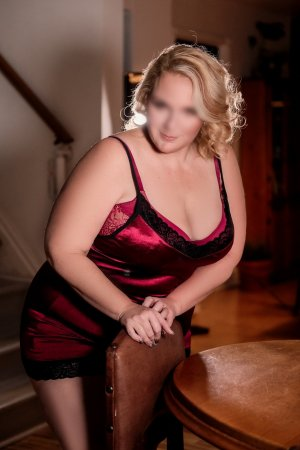 Milie live escort in Landover MD and tantra massage